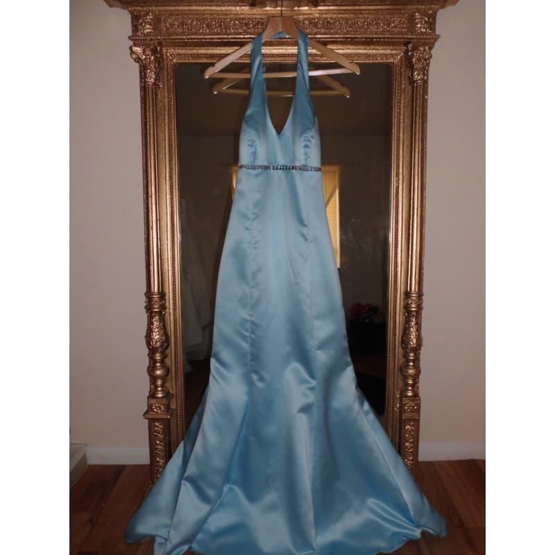 Pre-Adored Clothing Agency, Nottingham | Dress Agencies - Yell