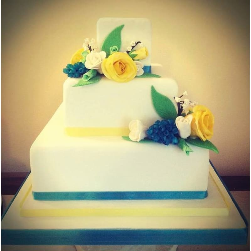 H Bakes Cakes, Witney | Cake Makers & Decorations - Yell