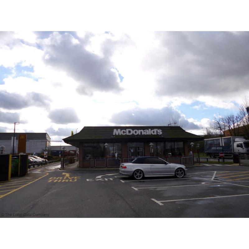 mcdonald s restaurants slough takeaway food yell