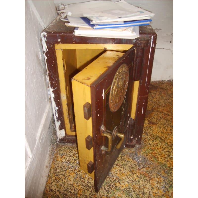 J D  Newsome Lock Services, Rotherham   Safes & Vaults - Yell