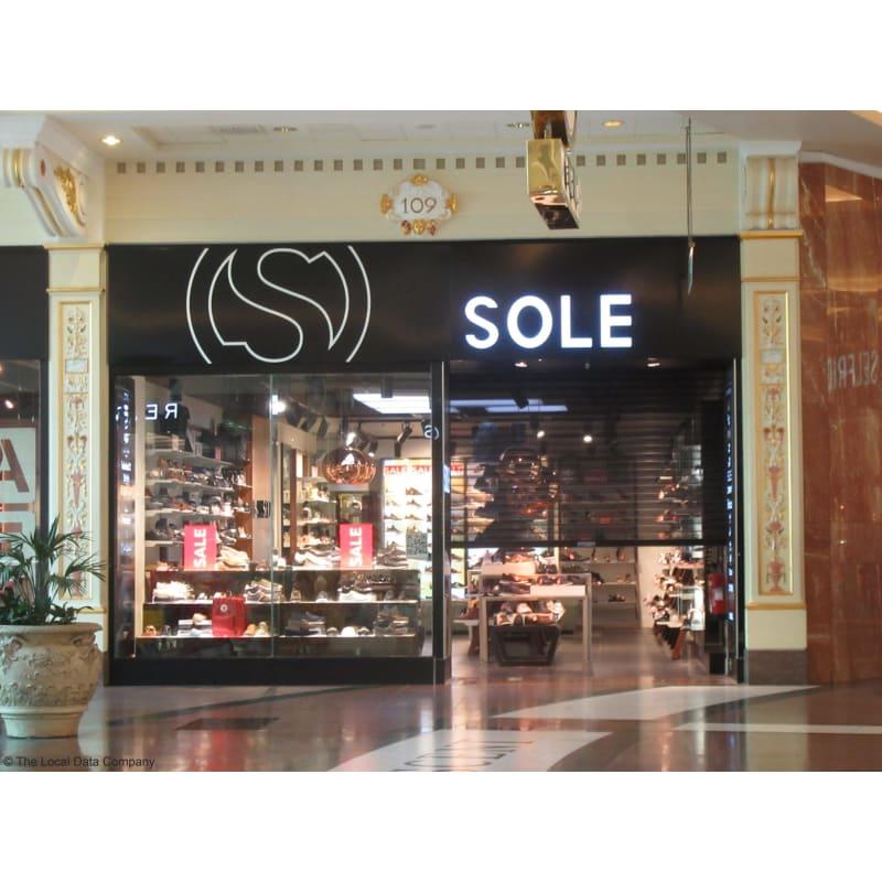shoe shops trafford centre