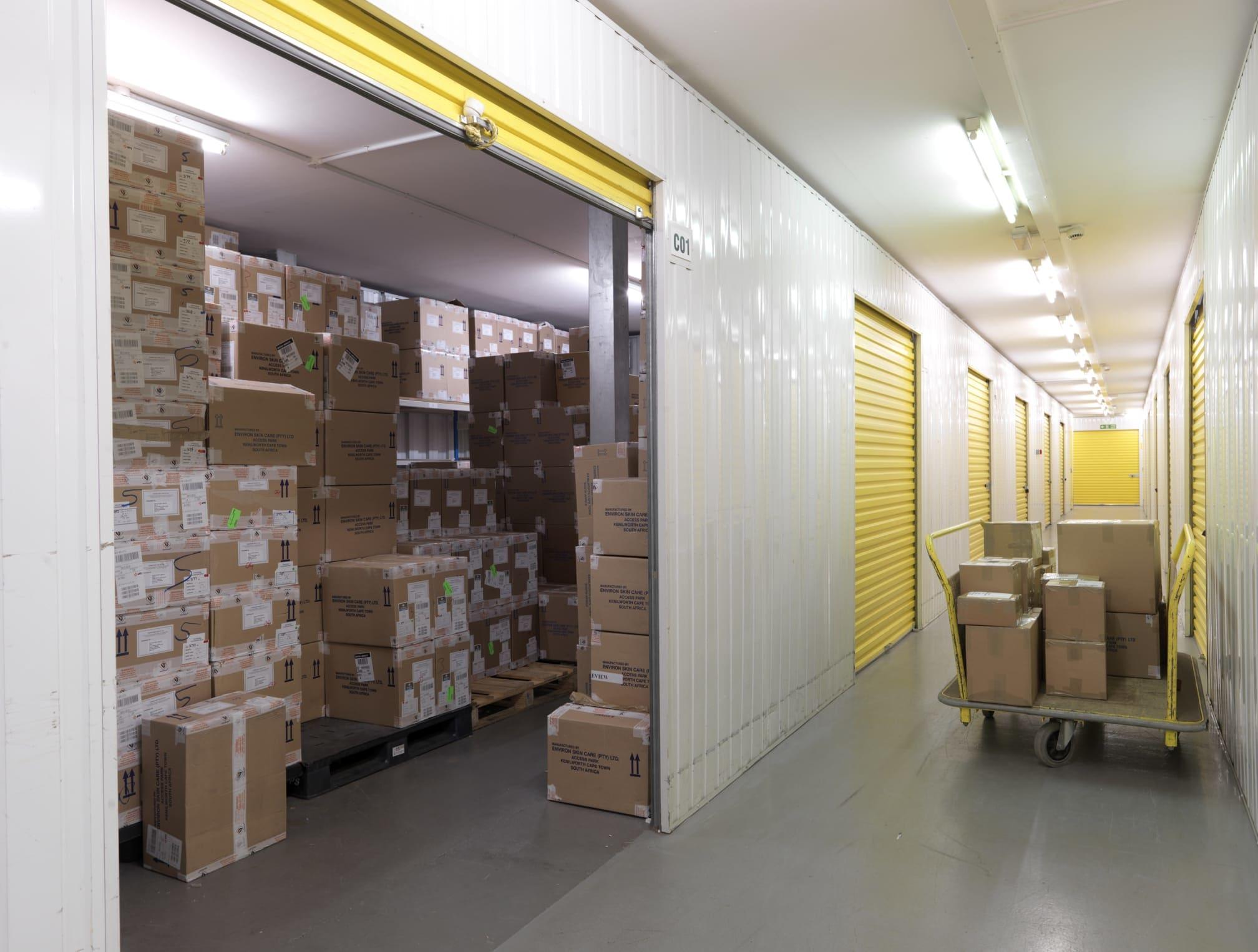 Big Yellow Self Storage Finchley East | 401 High Road, London, Finchley N2 8HS | +44 20 8346 3305