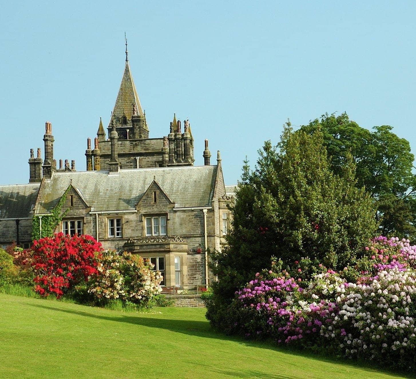 The Magic Tree Within Belmont Grosvenor School | Swarcliffe Hall, Harrogate HG3 2JG | +44 1423 771029